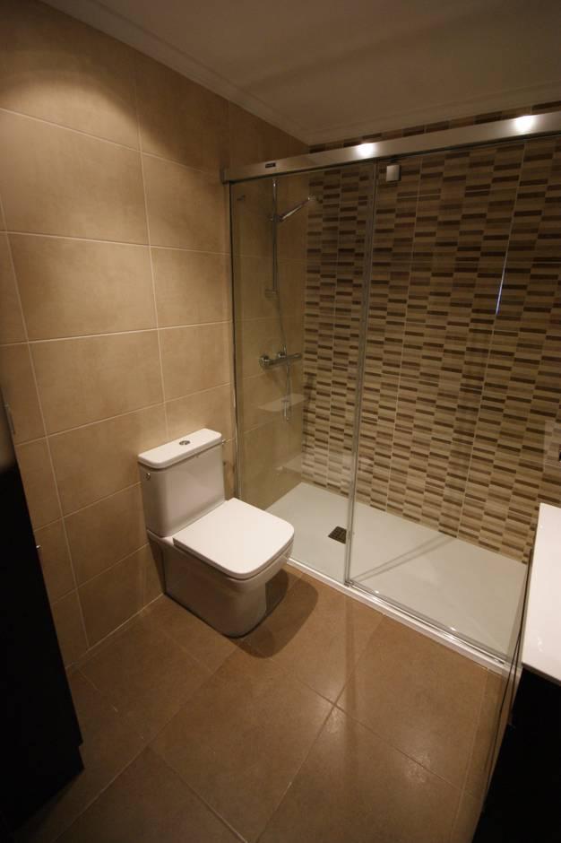 Reforma de ba o al mejor precio y calidad en amorebieta - Imagenes de banos con ducha ...