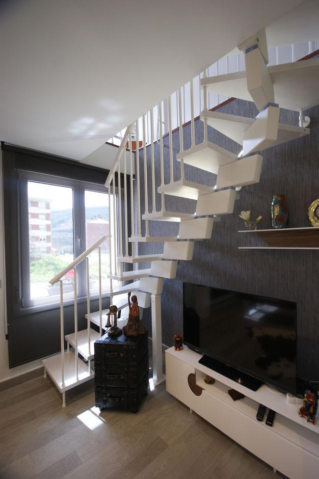 Salón con elementos singulares y acertados - Vista 7