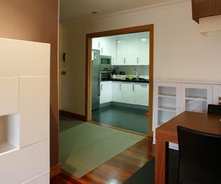 Decoración del salón en abierto, eliminando tabiques y puertas