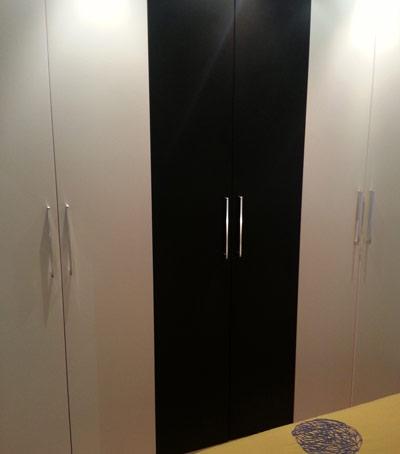 Piso gratuito durante la reforma dormitorio con matrimonio armario de 3 compartimentos