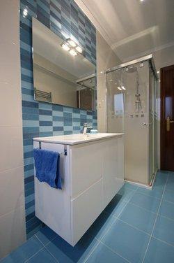 Reforma de baño en Amorebieta mueble de lavabo