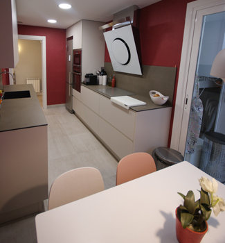 Reforma de una cocina en Durango Bizkaia, cocina completa lugar de encuentro