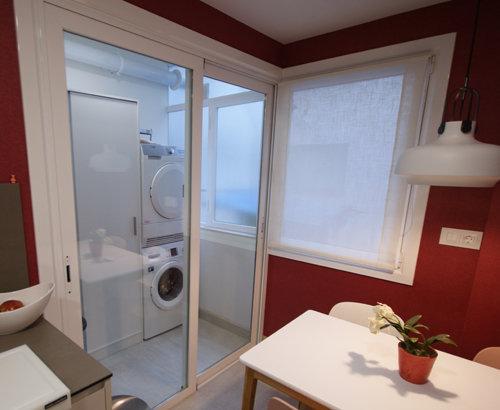 Reforma de cocina en Durango Bizkaia mampara zona lavadora secadora