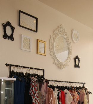 Rehabilitación de un comercio complementos decorativos