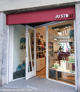 Entrada principal comercio Justore en Bilbao
