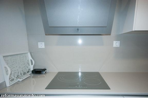 Placa de inducción, extractor y módulo de cocinar