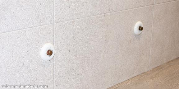 Tomas calefacción no instaladas reforma caserío Durango
